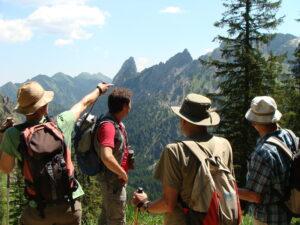 Bevor er seinen Vortrag hielt, besuchte Ulrich Wotschikowsky mit einigen Begleitern den westlichen Bereich des angedachten Gebietes Nationalpark Ammergebirge. (Foto: Hans Hack)