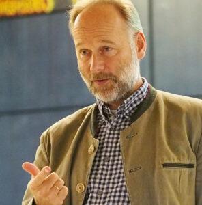Walter Haefeker, der Präsident des europäischen Berufsimkerverbands