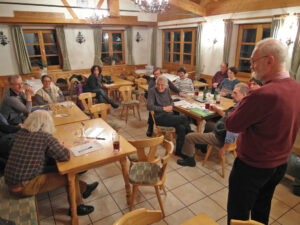 Vor den Vorstandswahlen (unter der Leitung von Klaus Hiefner) hatten sich die Reihen gelichtet. (Foto: Sigi Müller)